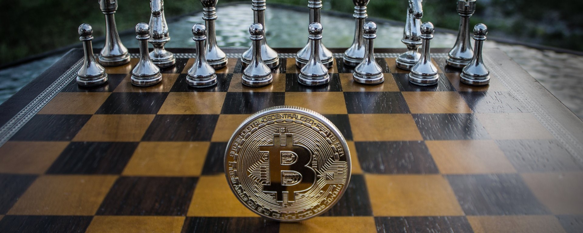 Bitcoin battles around $ 9,000, while altcoins start to recover 38